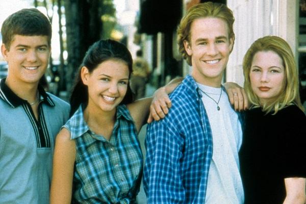 Joshua Jackson, Katie Holmes, James Van Der Beek and Michelle Williams in a publicity still for the television series 'Dawson's Creek' 1998