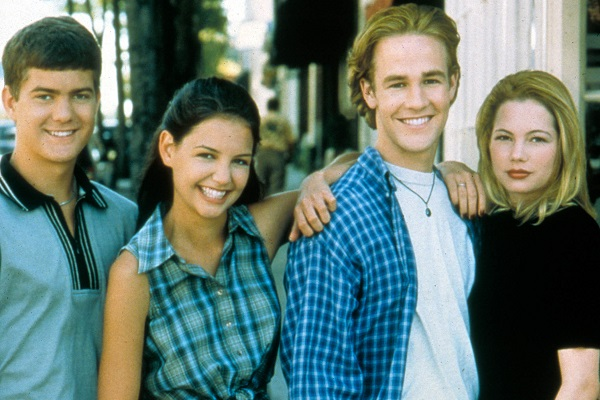 Joshua Jackson, Katie Holmes, James Van Der Beek and Michelle Williams in a publicity still for the television series 'Dawson's Creek' 1998